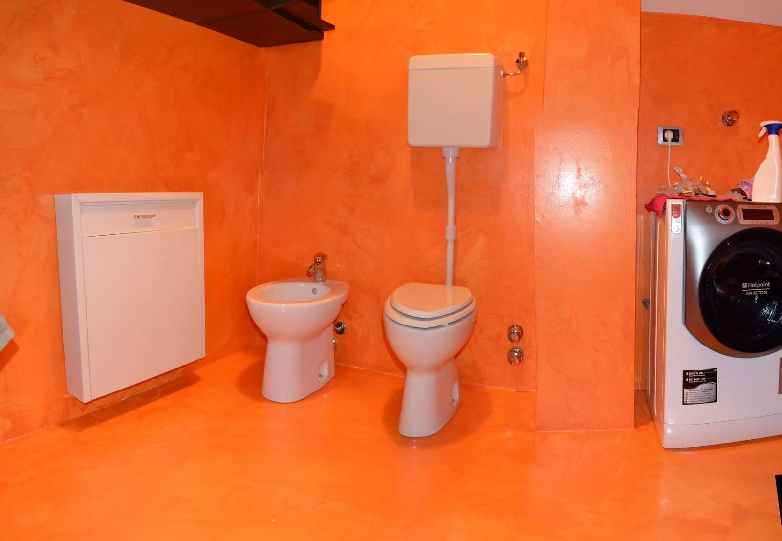 Resina pareti bagno pavimenti e rivestimenti share the - Pavimenti bagno in resina ...