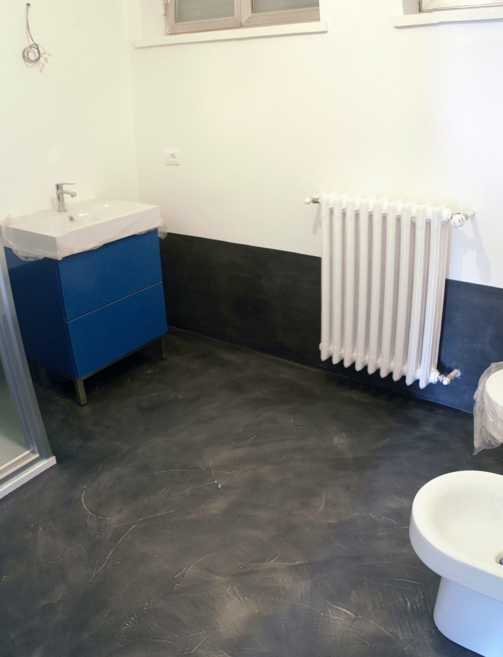 gallery of doccia resina nera pavimento resina nera with pavimento resina