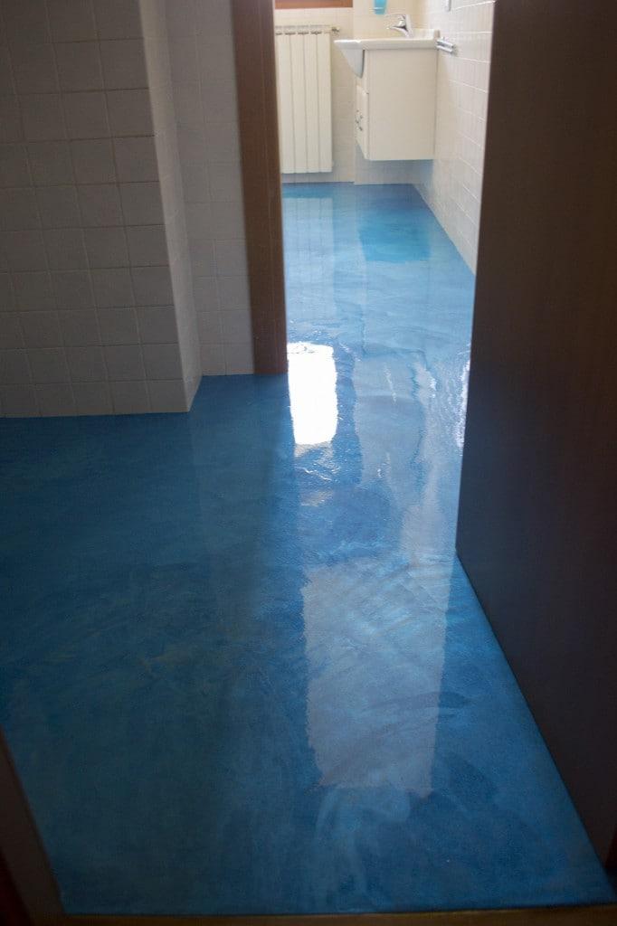 Pavimento bagno in resina enni color - Pavimento bagno resina ...