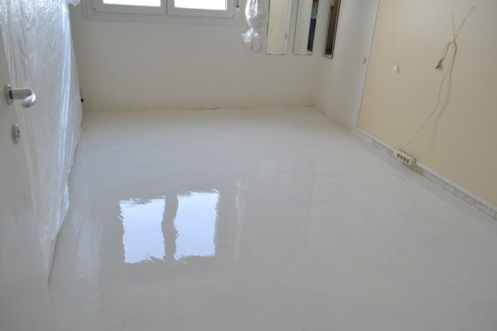 Pavimento in resina bianca enni color - Smalto per vasca da bagno prezzi ...