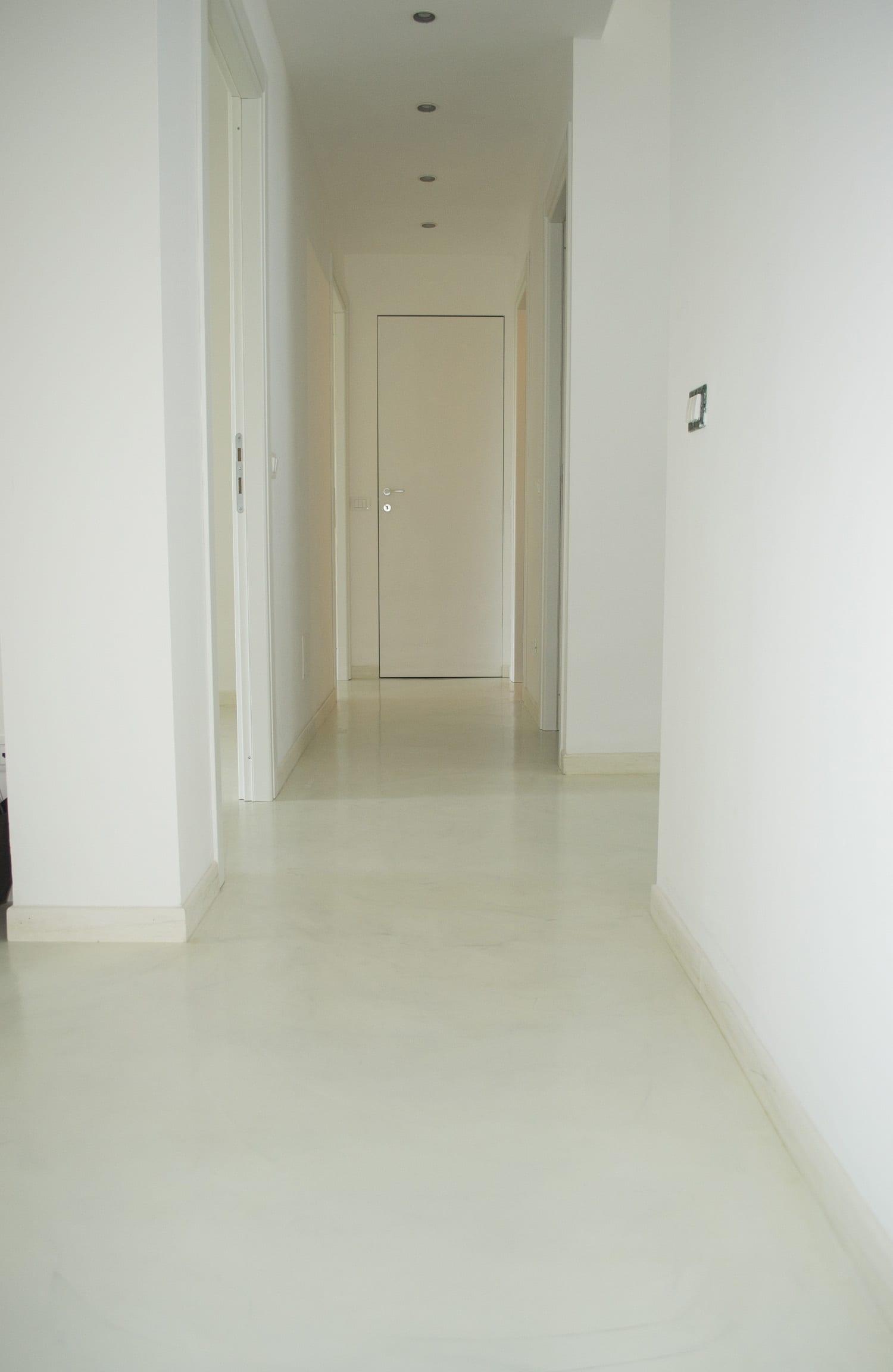 Pavimento In Resina Bianco.Pavimento Resina Bianca Enni Color