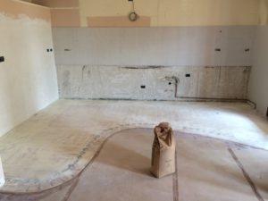 preparazione pavimento in resina con primer